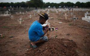 meninos-do-cemiterio-1-fabio-teixeira-brasil