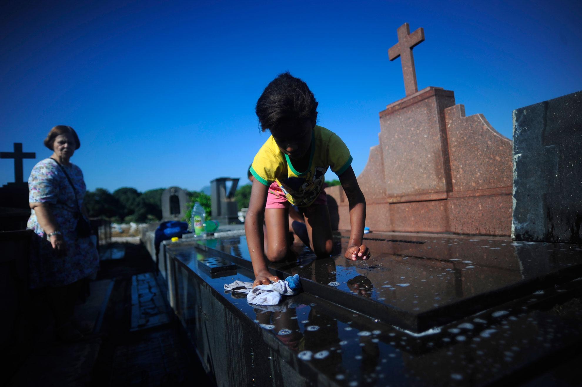 Meninos do cemitério (serie x 4)