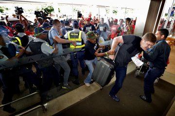 Greve fecha aeroporto de Brasília